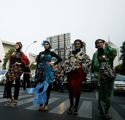 Street fashion show of batik